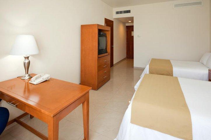 Holiday Inn Express Playacar Riviera Maya Rum