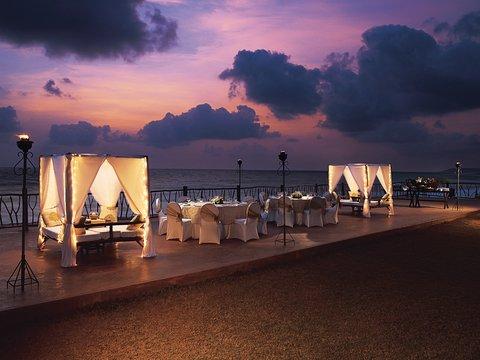 Vivanta by Taj Fort Aguada - Sunset Deck