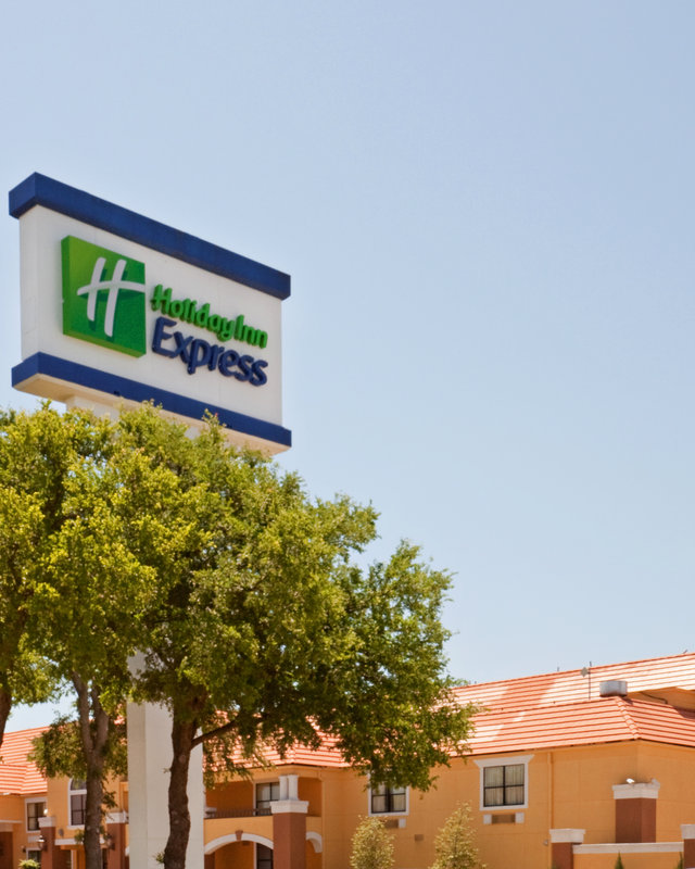 Holiday Inn Express Hotel & Suites DFW North Ulkonäkymä