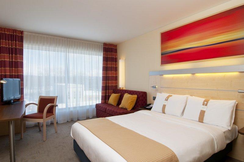 Holiday Inn Express Zürich Airport Zimmeransicht