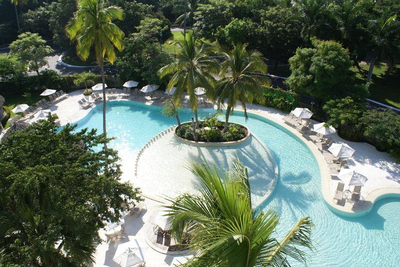 Holiday Inn Ixtapa Poolansicht