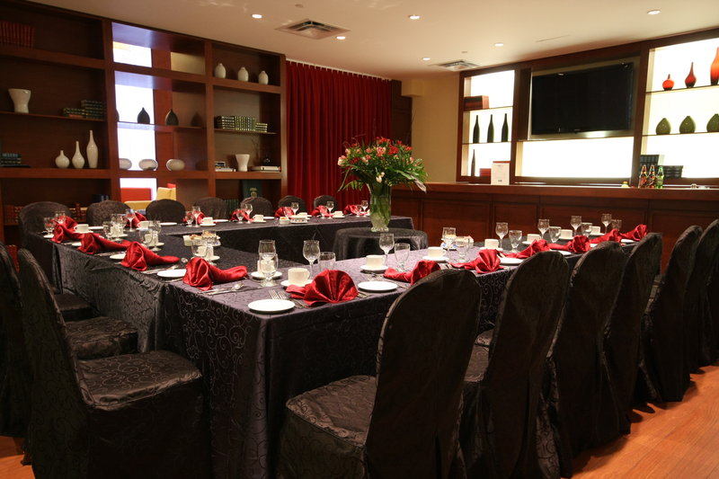 Holiday Inn Express Hotel & Suites Montreal Airport 会議室