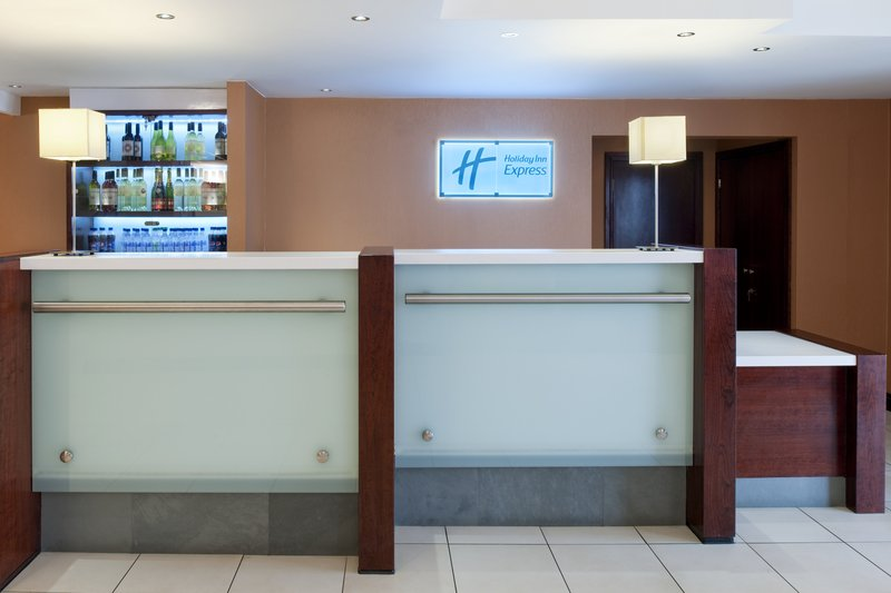 Holiday Inn Express York Lobby