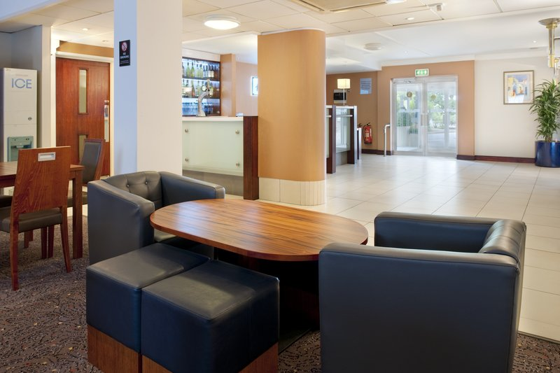 Holiday Inn Express York Bar/lounge