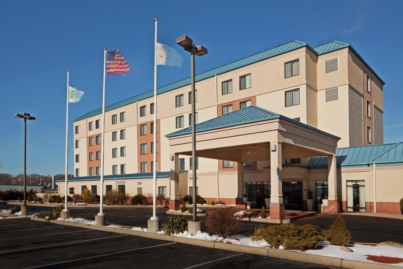 Holiday Inn Express Hotel & Suites Providence-Woonsocket Vista exterior