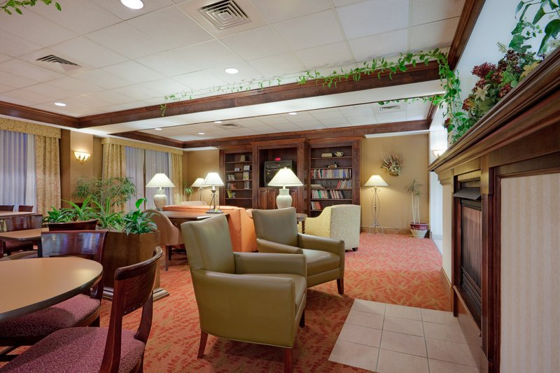 Holiday Inn Express Hotel & Suites Providence-Woonsocket Gastronomia
