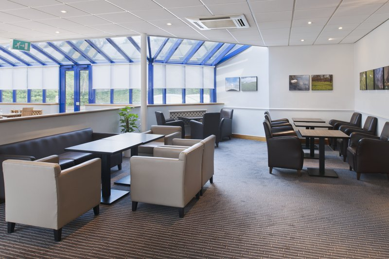 Holiday Inn Warrington Salon/Lobi