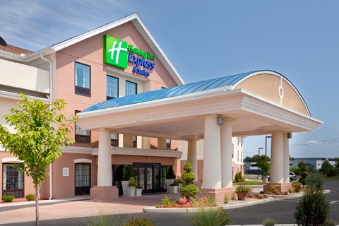 Holiday Inn Express & Suites WESTFIELD - Entrance