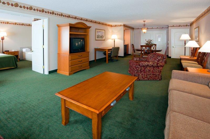 Holiday Inn Express & Suites WINNER - Winner, SD