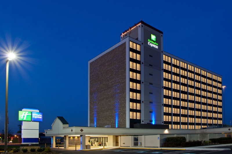 Holiday Inn Express Springfield I-95 S of I-495 Vista esterna