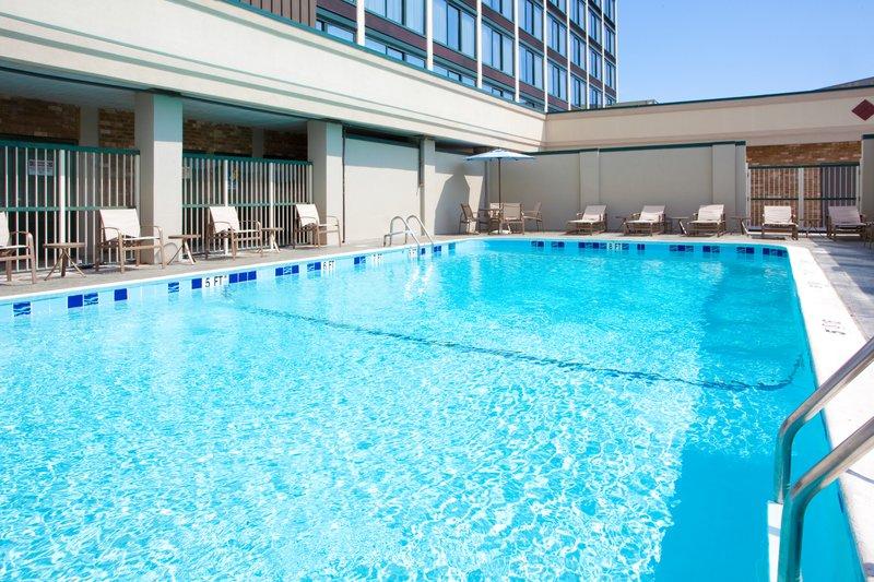 Holiday Inn Express Springfield I-95 S of I-495 Vista della piscina