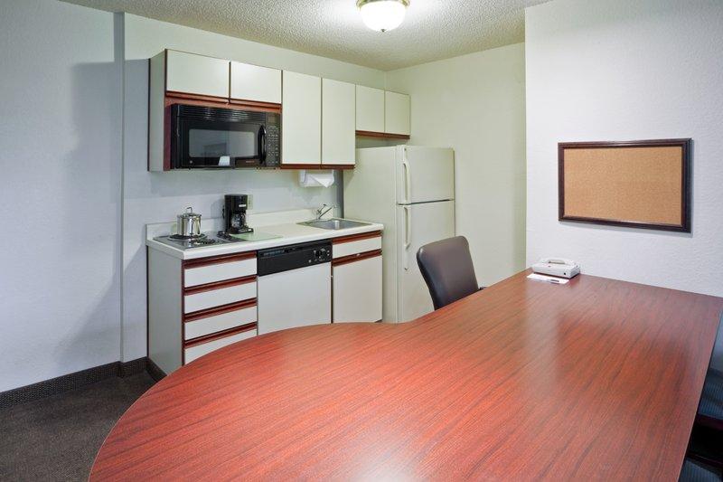 Candlewood Suites WASHINGTON-FAIRFAX - Fairfax, VA