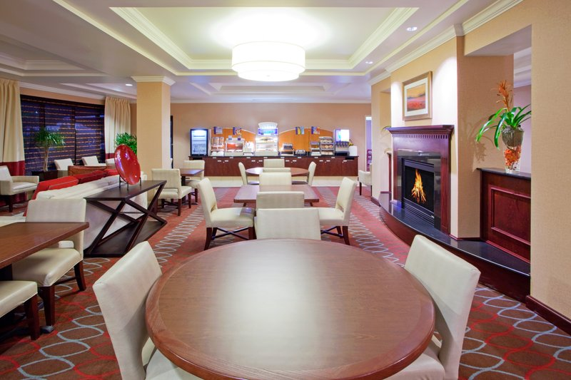 Holiday Inn Express Hotel & Suites Washington- Natl Arboretum Gastronomie