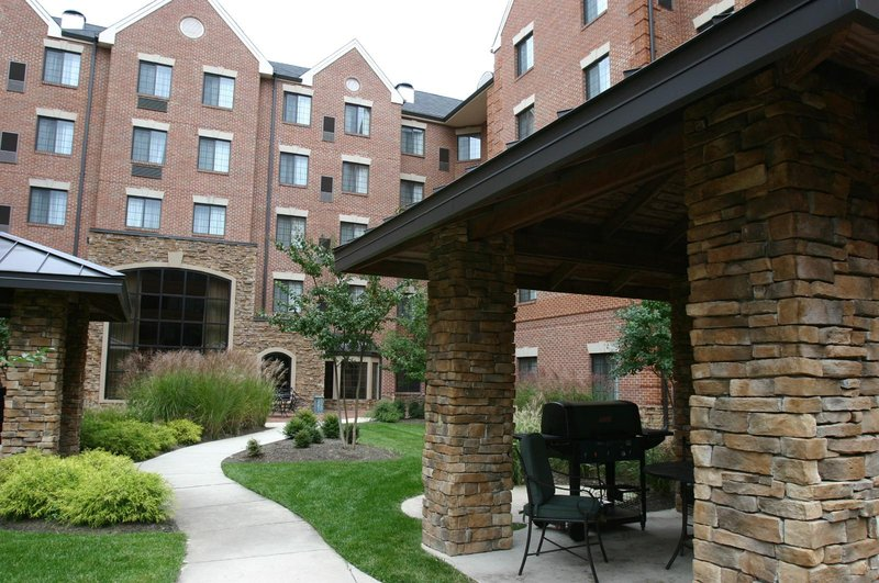 Staybridge Suites McLean-Tysons Corner Set udefra