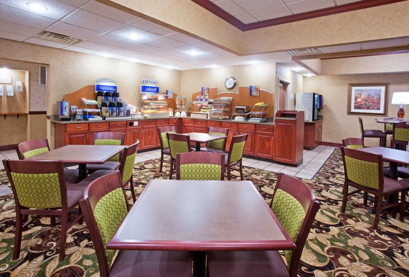 Holiday Inn Express & Suites TROY - Tipp City, OH