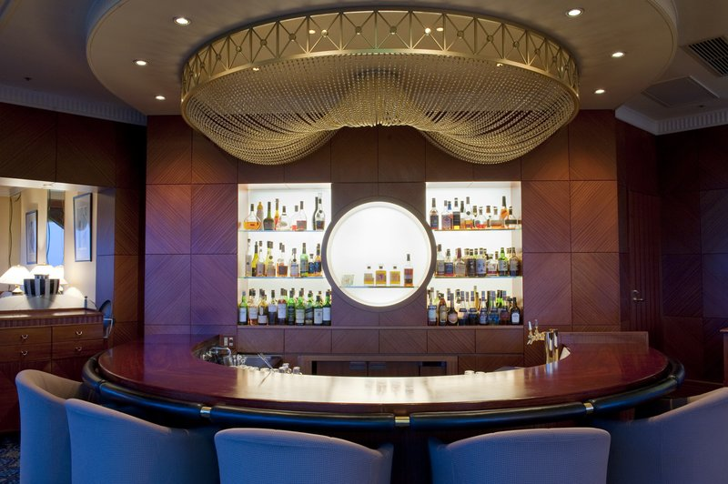 Crowne Plaza Ana Toyama 酒吧/休息厅