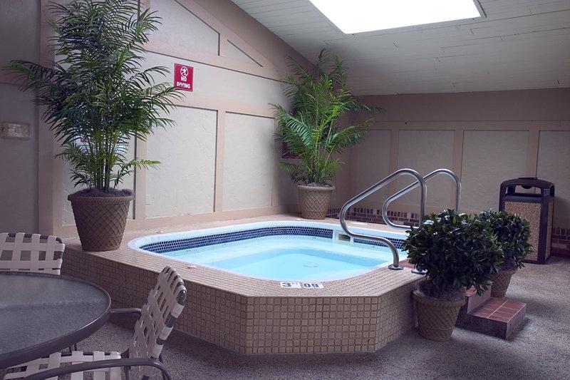 Holiday Inn PERRYSBURG-FRENCH QUARTER - Perrysburg, OH