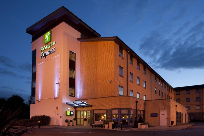 Holiday Inn Express Swindon-West M4, JCT.16 Fasad