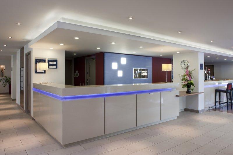 Holiday Inn Express Swindon-West M4, JCT.16 Lobby