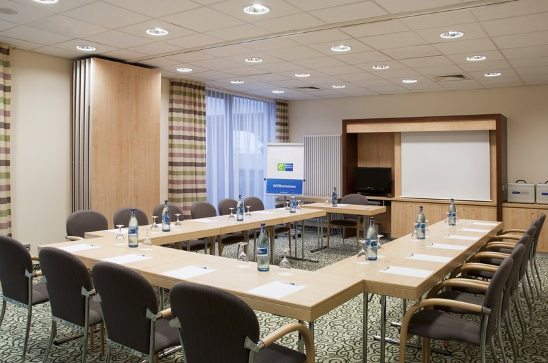 Holiday Inn Express Stuttgart Airport Sala de conferencias