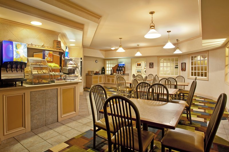 Holiday Inn Express Hotel & Suites  ST. JOSEPH Restaurang