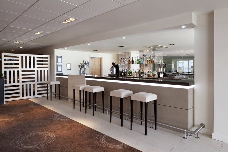 Holiday Inn Winchester Bar/Lounge