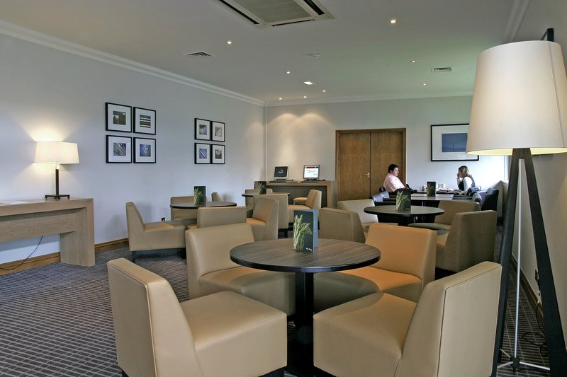 Holiday Inn Southampton バー/ラウンジ