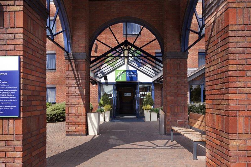 Holiday Inn Express Stafford M6, JCT.13 Vue extérieure