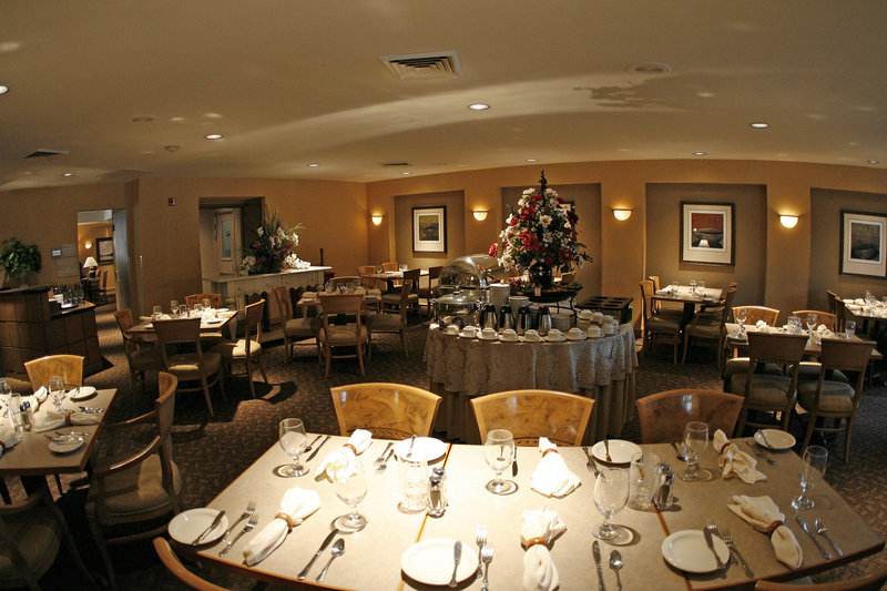Holiday Inn Seattle-Issaquah 餐饮设施