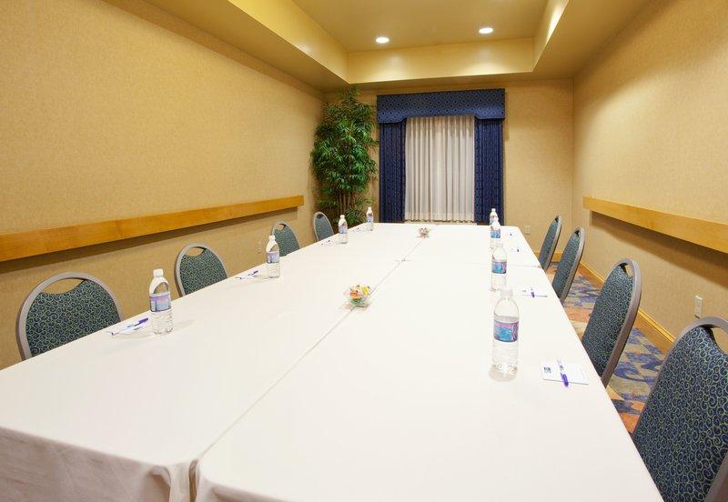 Holiday Inn Express Hotel & Suites Sacramento Airport Natomas 会議室