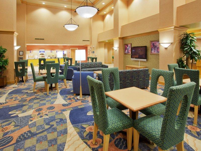 Holiday Inn Express Hotel & Suites Sacramento Airport Natomas レストラン