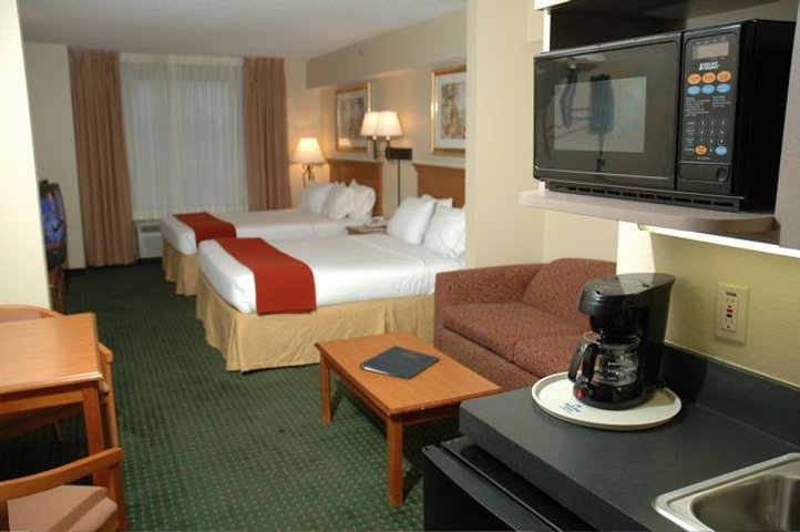 Holiday Inn Express & Suites PALM COAST - FLAGLER BCH AREA - Daytona Beach, FL