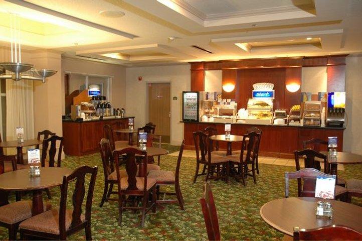 Holiday Inn Express & Suites PALM COAST - FLAGLER BCH AREA - Daytona Beach, FL