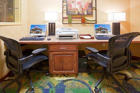 Holiday Inn Fairmont Hotel - Business Center