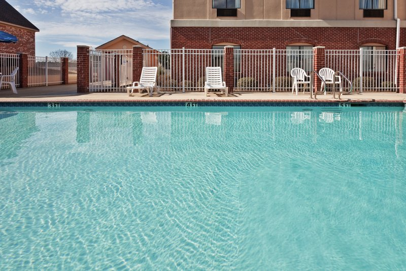 Holiday Inn Express & Suites FOREST - Pulaski, MS