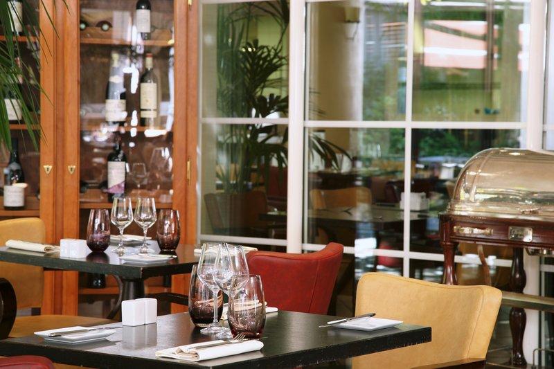 Holiday Inn Paris-Versailles-Bougival Ресторанно-буфетное обслуживание