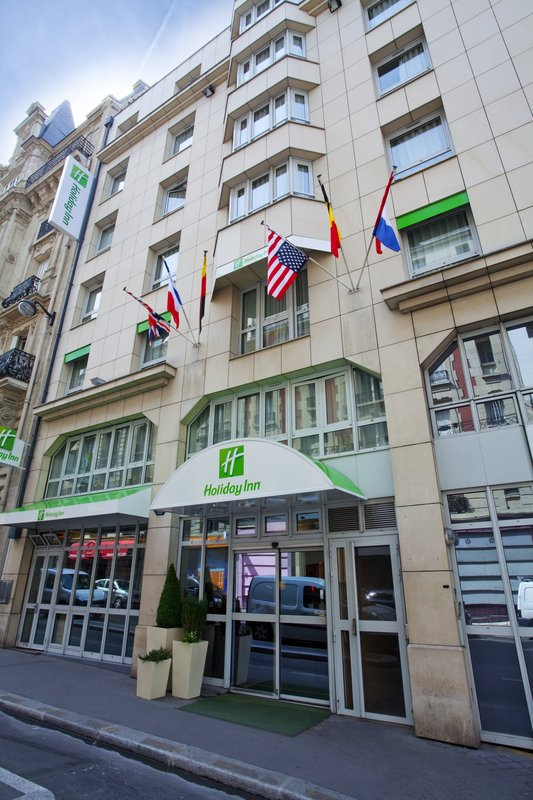 Holiday Inn Garden Court Paris-Montmartre Außenansicht