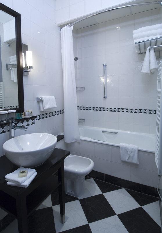 Crowne Plaza Hotel Paris-Republique Zimmeransicht