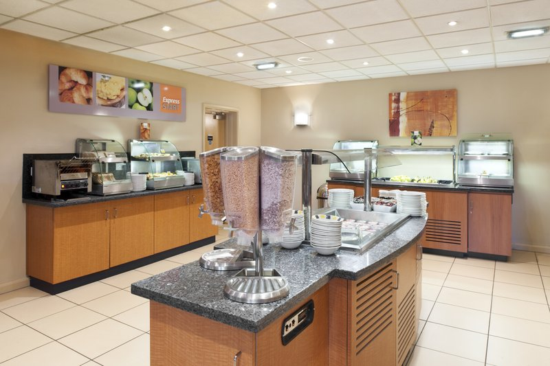 Holiday Inn Express Newcastle-Metro Centre Gastronomy