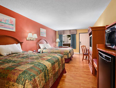 Ramada I-75 / Airport North - Standard Two Double Bed Room
