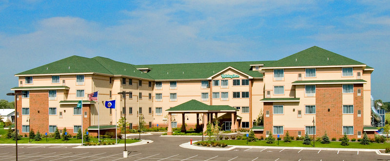 Holiday Inn Otsego-Wildwoods Waterpark Exterior view