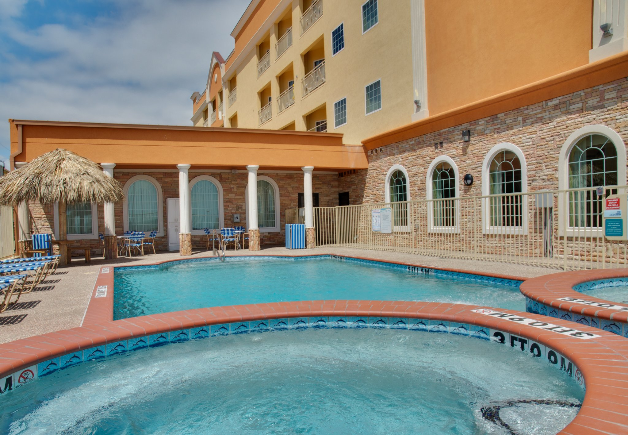 Holiday Inn Express Hotel & Suites Galveston West-Seawall