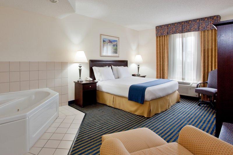 Holiday Inn Express - Chesapeake, VA