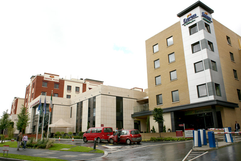 Express By Holiday Inn Dublin Airport Vista exterior