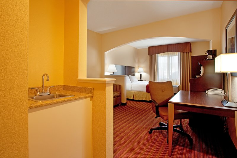 Holiday Inn Express & Suites GREENVILLE AIRPORT - Greer, SC