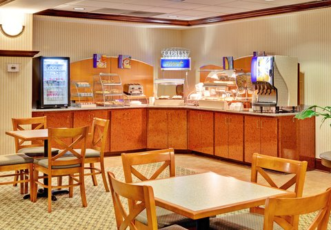 Holiday Inn Express & Suites GREENWOOD - Breakfast Area