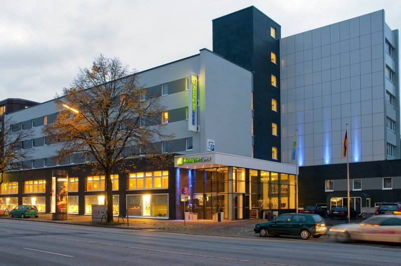 Holiday Inn Express Hamburg City Centre 外観