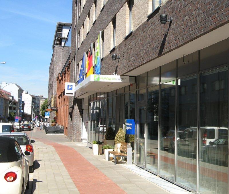 Holiday Inn Express Hamburg Sankt Pauli Messe Buitenaanzicht