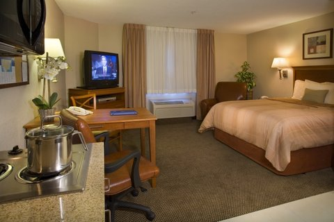Candlewood Suites Hattiesburg Hotel - Single Bed Guest Room