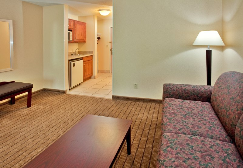 Holiday Inn Express Hotel & Suites Hannibal Suite